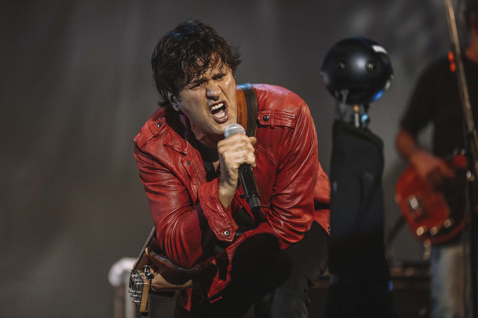 Andrés Ciro Martínez, líder del grupo Ciro y los Persas, actuó en el marco de la apertura del Cosquín Rock virtual en los escenarios porteños de La Trastienda y Vorterix
