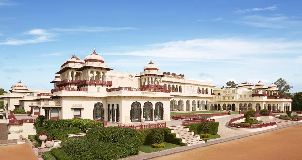 Los huéspedes pueden sorprenderse al saber que este palacio de 1835 exquisitamente restaurado en Jaipur , con todos sus patios y esplendor, no fue construido para una reina, sino más bien para la doncella favorita de la reina. Más tarde, fue utilizado como casa de huéspedes real y pabellón de caza, aunque desde entonces ha ocupado cómodamente su lugar como uno de los hoteles más lujosos de Rajasthan (Booking.com)