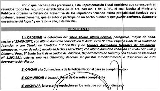 La resolución del juez penal de garantías José Agustín Delmás que ordena cárcel a Alfaro y González.