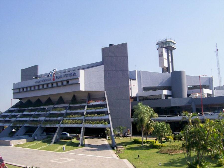 El Aeropuerto Internacional Silvio Pettirossi será sede de la Auto Misa, Fiesta del Señor este domingo. Foto: Archivo.