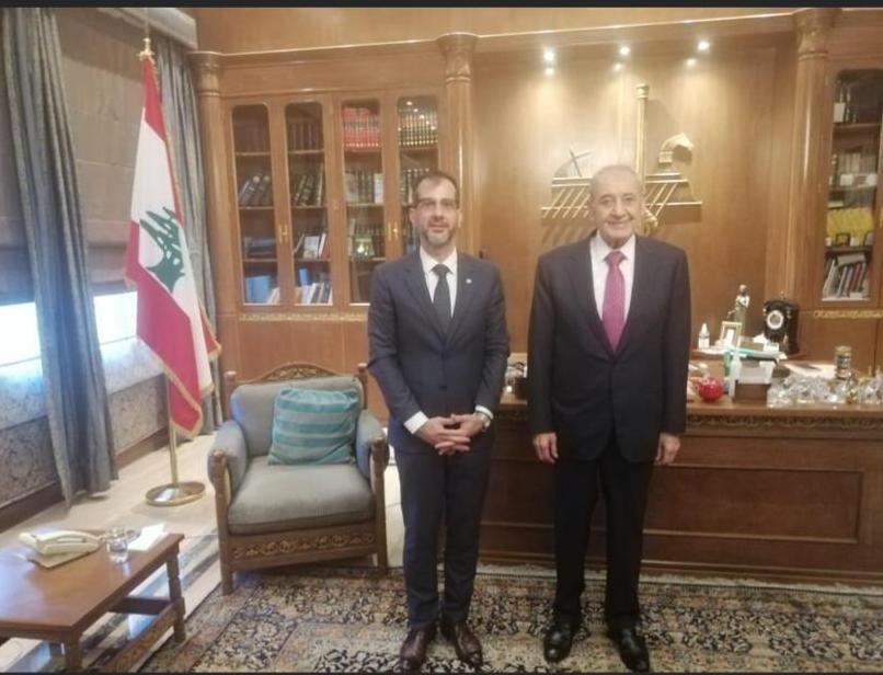 El encargado de Negocios en Beirut, Osvaldo Bittar (Izq.), denunció una agresión en la sede diplomática paraguaya en el Líbano, inmueble en el que reside. Foto: Gentileza.