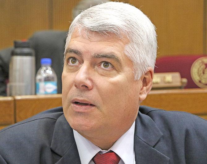 Arnoldo Wiens, ministro de Obras Públicas. Foto: Archivo.