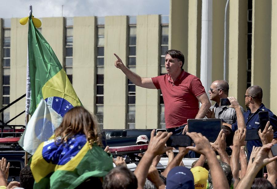 Desde el inicio de su gobierno en 2019, el mandatario brasileño mantiene además relaciones tirantes con la prensa, a la que suele tratar con desprecio. Foto: AFP.