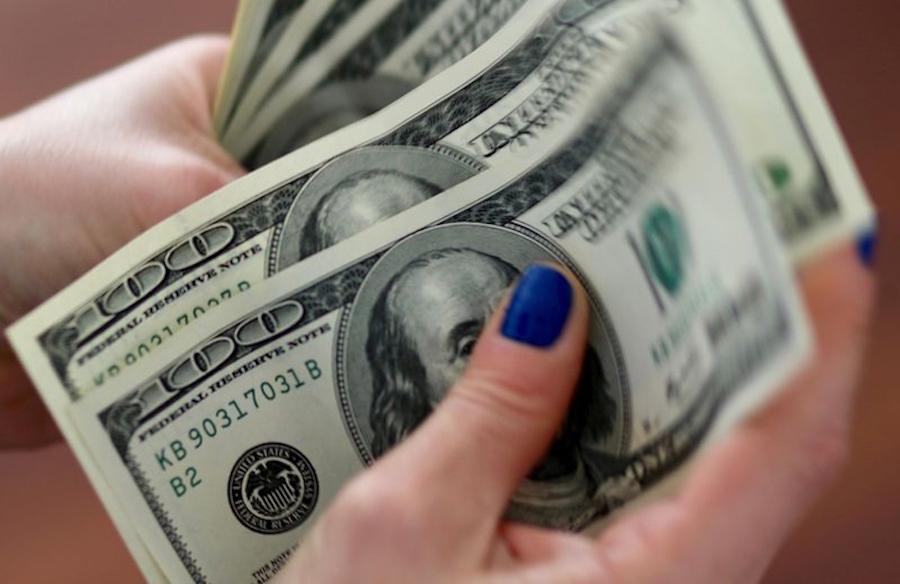 El tipo de cambio se consolida por encima de los G. 6.700 por dólar, tanto en el mercado minorista como mayorista, al cierre del viernes pasado.FOTO: GENTILEZA