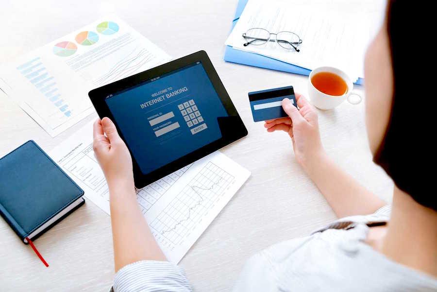 Las transacciones electrónicas en el mercado local a mayo crecieron 70%. Foto: Archivo.