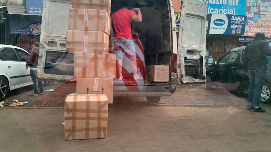 Solo en el mercado de abasto de Ciudad del Este se puede ver en una serie de imágenes la comercialización de los productos ingresados ilegalmente.FOTO:GENTILEZA