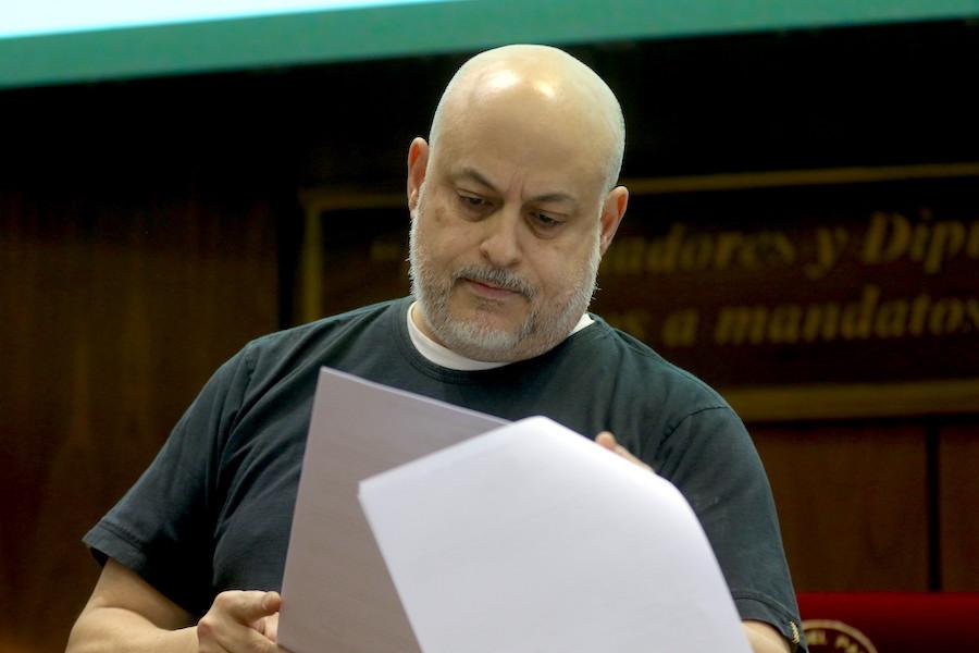 El exsenador Paraguayo Cubas aprovechando las especulaciones del posible regreso a su banca del Senado, se da sus apariciones en los videos que sube a sus redes sociales, en esta ocasión arremetió contra la directora de ABC Color. Foto: Archivo.