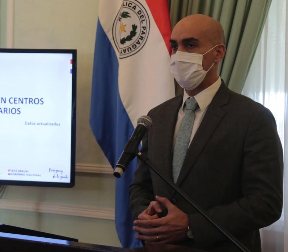 El ministro de Salud insiste en el uso del tapabocas y mantener el distanciamiento social.