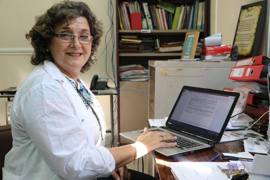 """La doctora Graciela Russomando, quien en julio renunció al Senacsa por """"falta de ética"""" en el Ministerio de Salud con respecto a las pruebas del COVID-19, disparó nuevamente hoy en contra de la cartera sanitaria, argumentando que se están ocultando muchas verdades. Foto: Archivo."""
