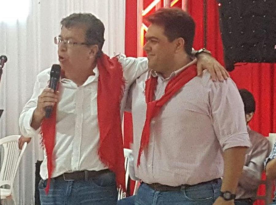 Nicanor Duarte Frutos, director de EBY, junto con su recomendado y ex candidato a gobernador en las elecciones pasadas, Santiago Vázquez.FOTO:GENTILEZA