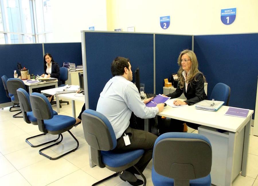 Los bancos ya tienen la opción de la garantía estatal, pero todavía están con incertidumbre para liberar créditos.FOTO:ARCHIVO