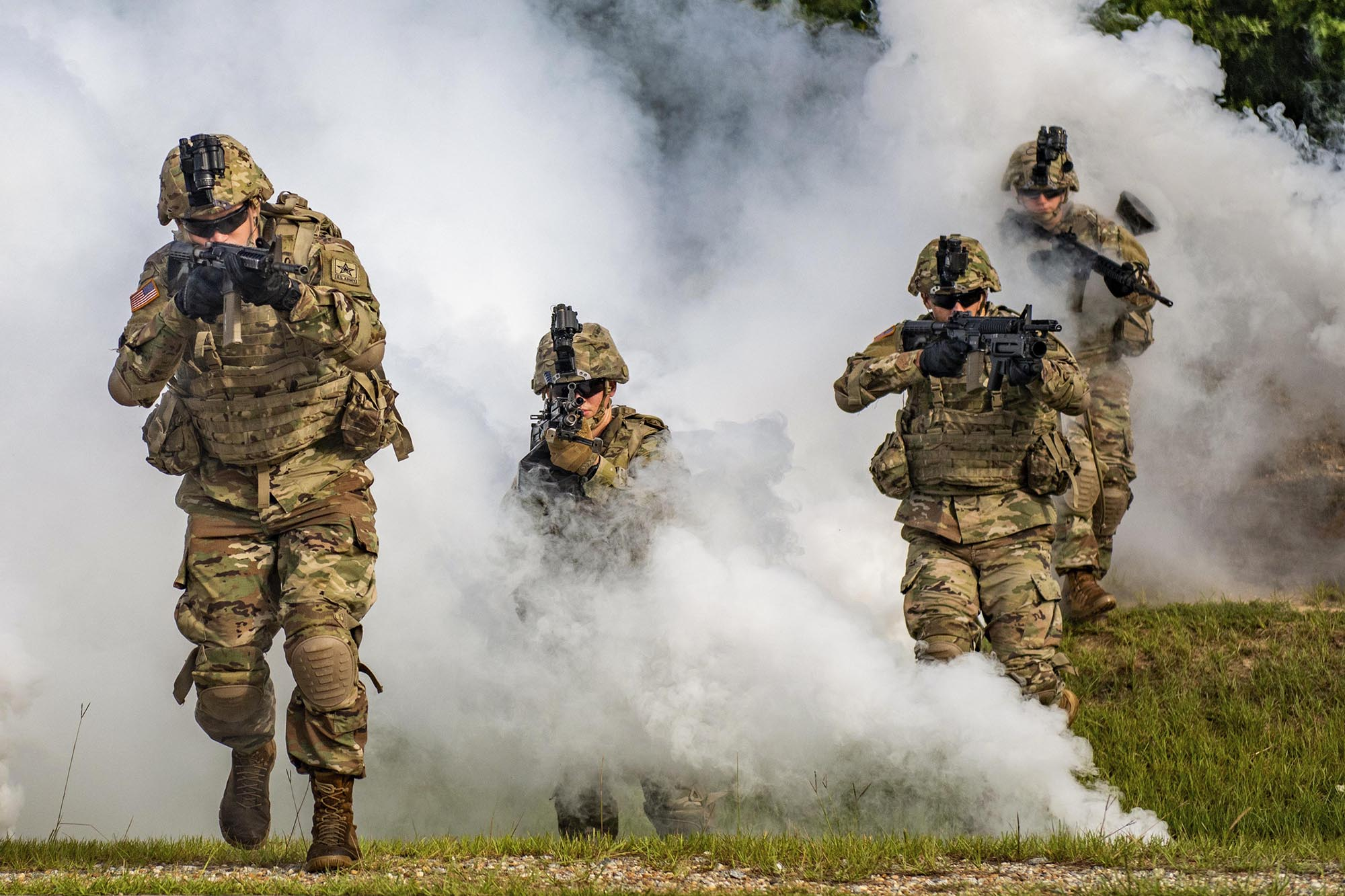 Soldiers maneuver as an Infantry Rifle Squad Aug. 21, 2020, on Sand Hill at Fort Benning, Ga. (Patrick A. Albright/Army)