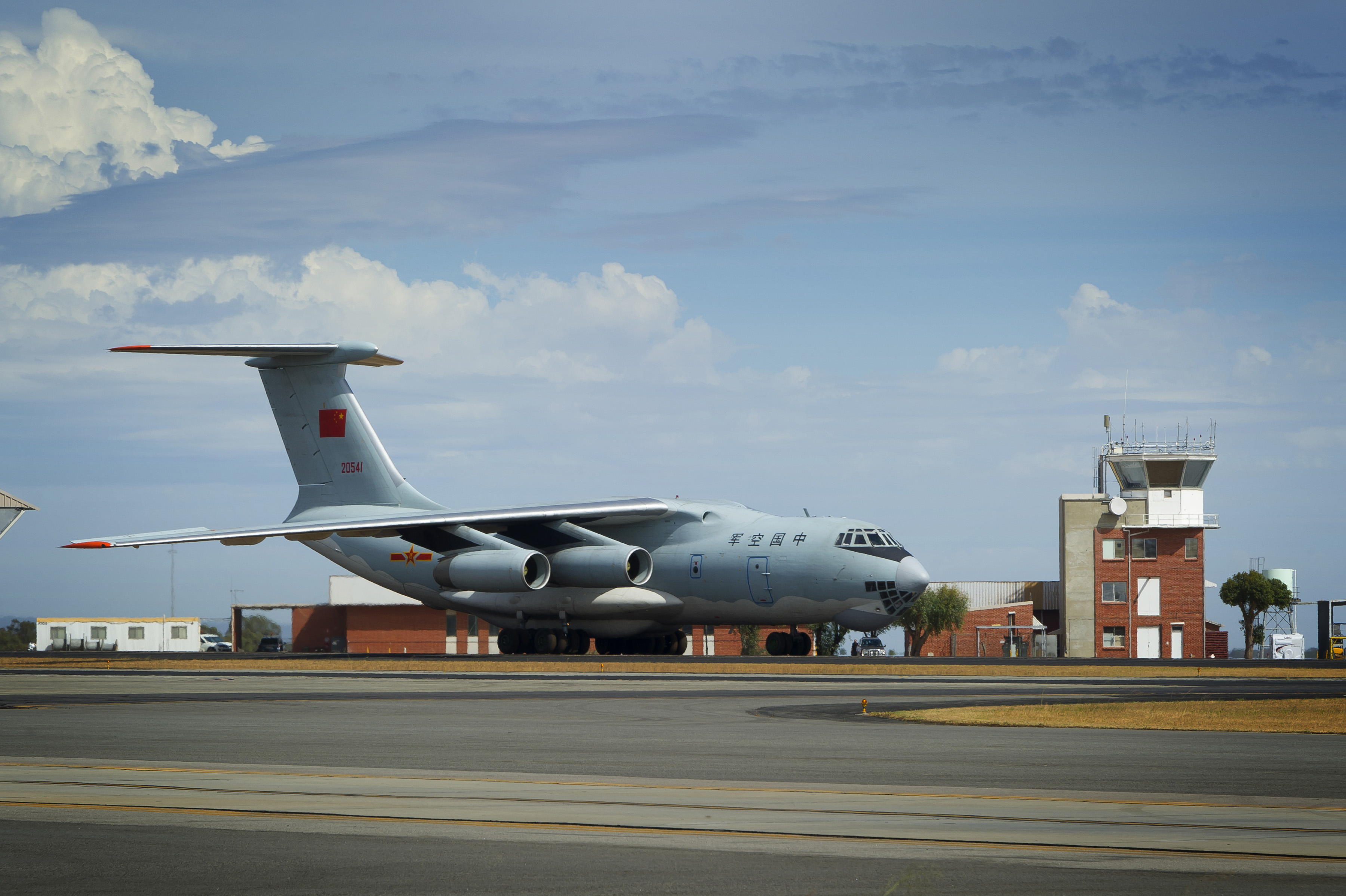 A Chinese Ilyushin Il-76 taxies into position at the Royal Australia Air Force Base Pearce in Western Australia. (Courtesy of the Australian Defence Department)