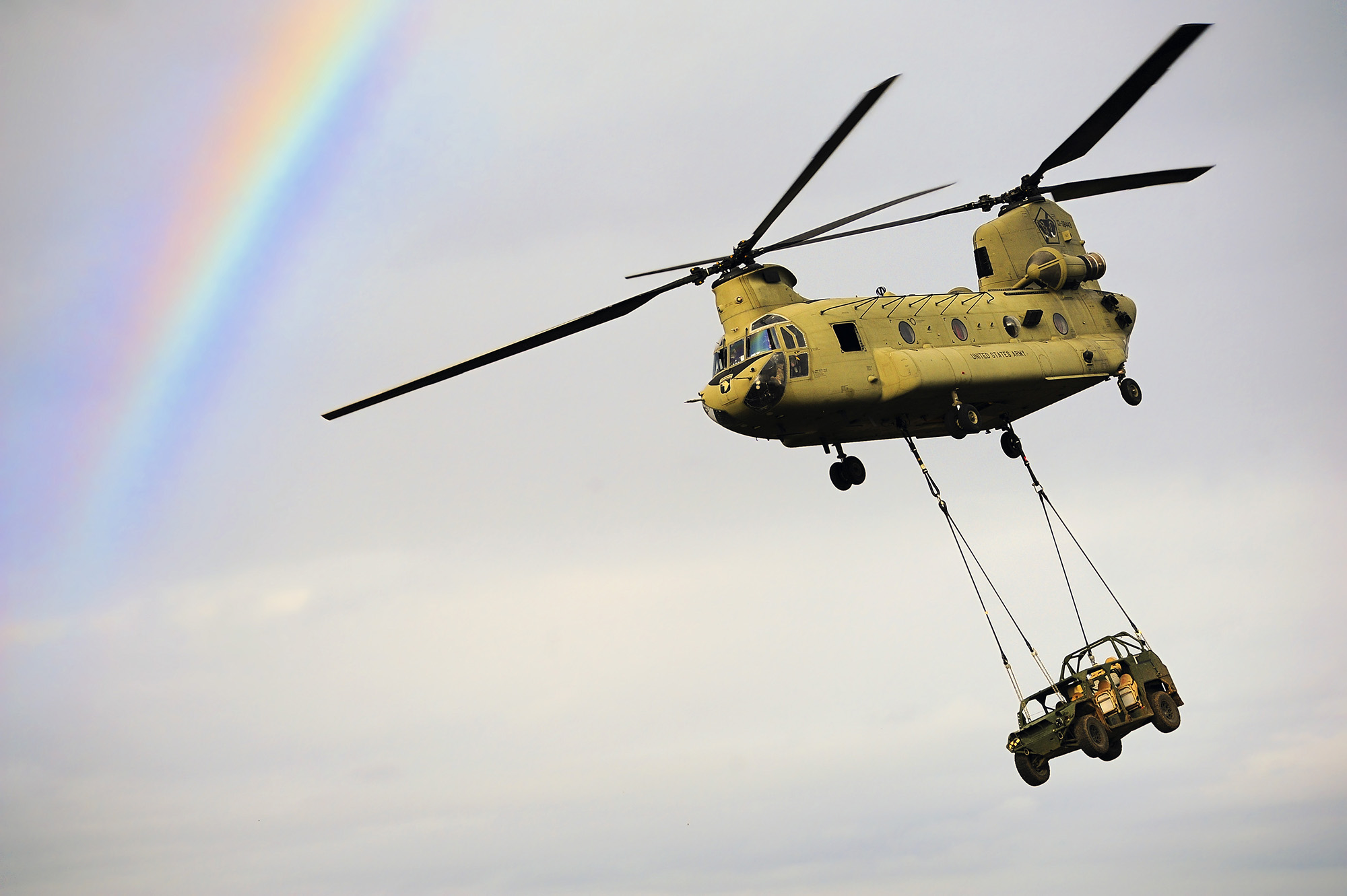 U.S. Army paratroopers conduct sling load operations with a CH-47 Chinook helicopter on Jan. 20, 2021, during exercise Eagle Talon, Monte Romano, Italy. (Elena Baladelli/Army)