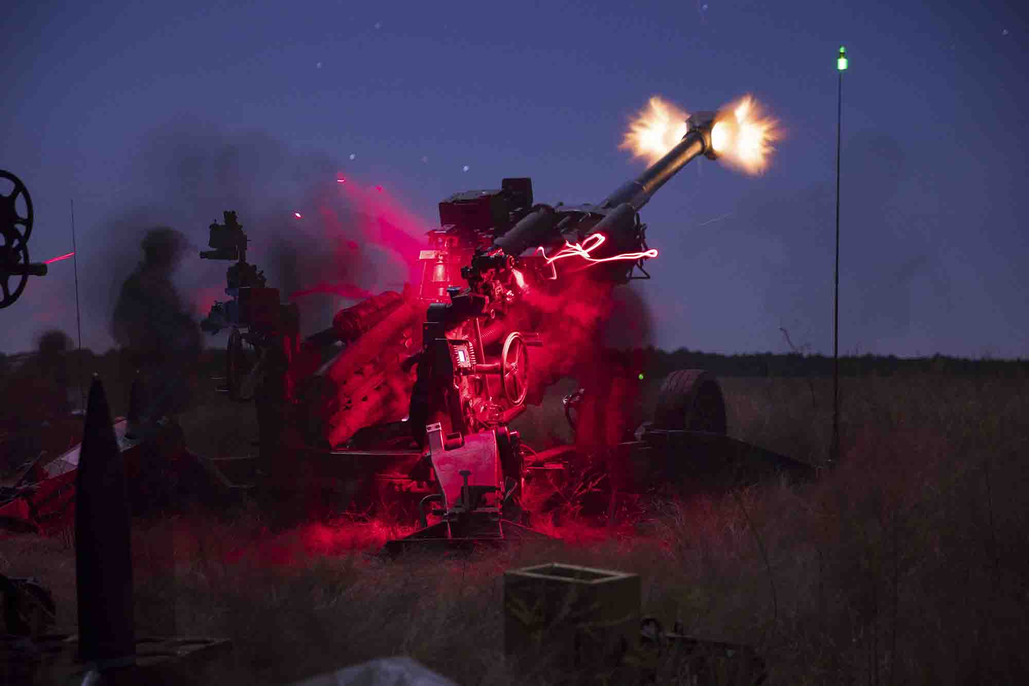 Paratroopers assigned to the 3rd Brigade Combat Team, 82nd Airborne Division fire and prep M777 howitzer rounds on Holland Drop Zone during Exercise Panther Storm II at Fort Bragg, N.C., Nov. 4, 2020. (Pvt. Vincent A Levelev/Army)