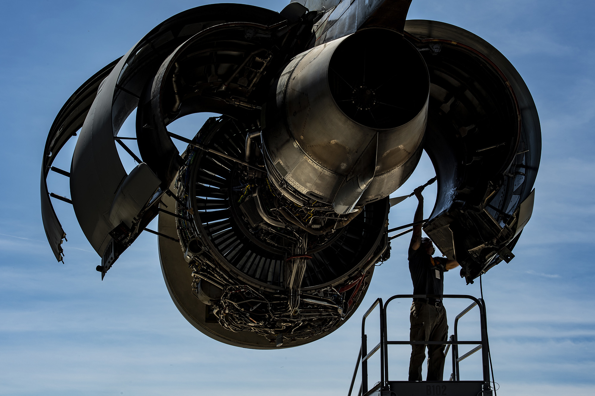 Staff Sgt. Samuel Peoples, 911th Maintenance Squadron aerospace propulsion technician, closes the thrust reverser fan duct on a C-17 Globemaster III engine at the Pittsburgh International Airport Air Reserve Station, Pa., July 15, 2020. (Joshua J. Seybert/Air Force)