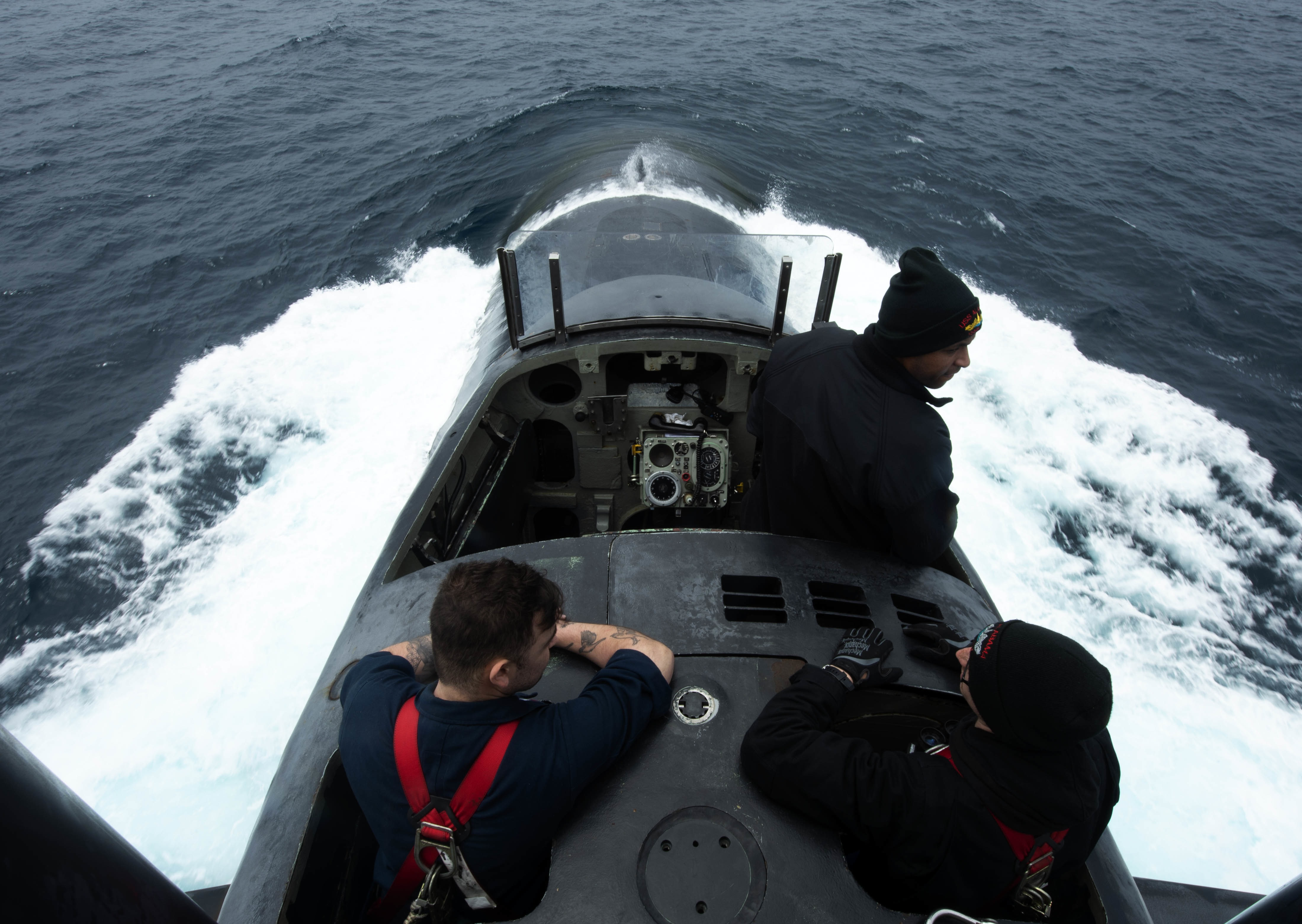 Sailors man the bridge aboard the ballistic-missile submarine Alabama (Blue) while conducting operations in the Pacific Ocean June 17. (MCC Josue Escobosa/Navy)