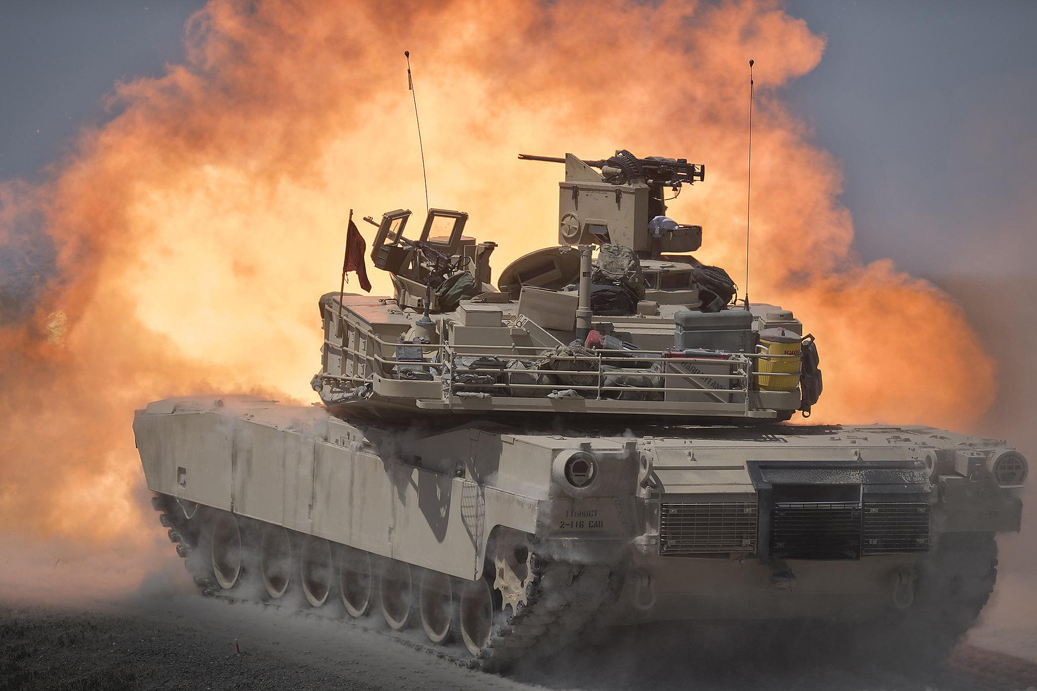 An Idaho Army National Guard tank fires during training at the Orchard Combat Training Center in Boise, Idaho, May 17, 2021. (Thomas Alvarez/Idaho National Guard)