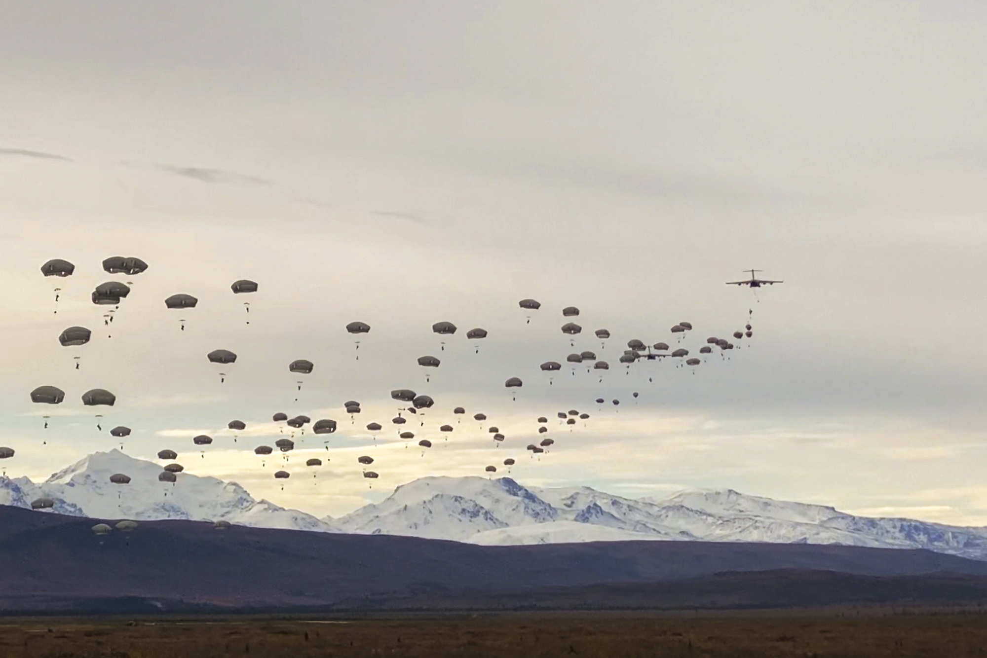 Paratroopers execute a joint forcible entry operation into Donnelly Training Area, Alaska, Sept. 14, 2020. (Pfc. Colton Eller/Army)