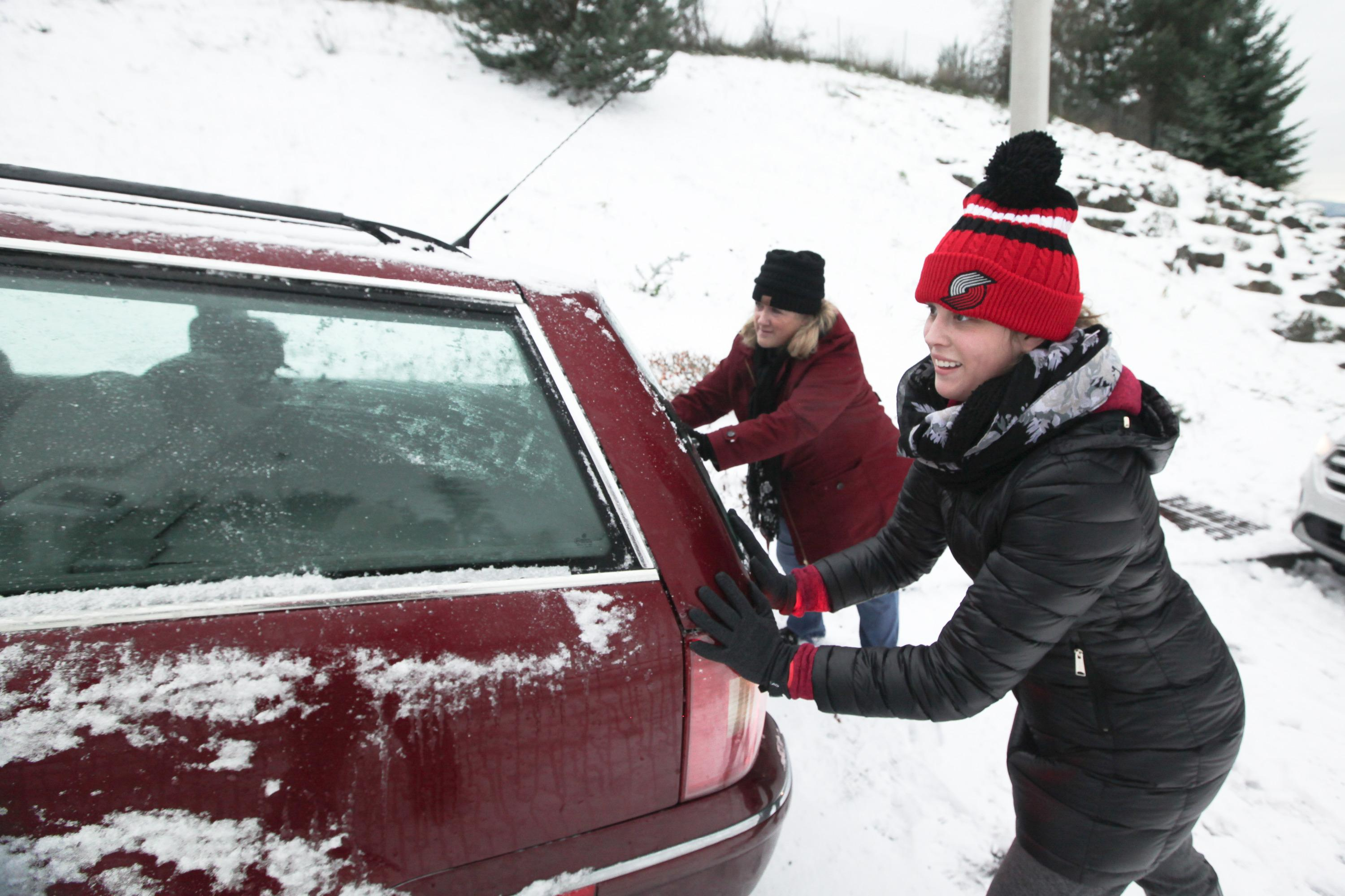 Good Samaritan Helps Clear Abandoned Cars From Portland Area Streets Opb