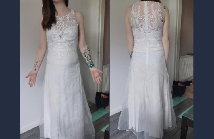 Nada que ver con lo que esperaba, este es el vestido que recibió
