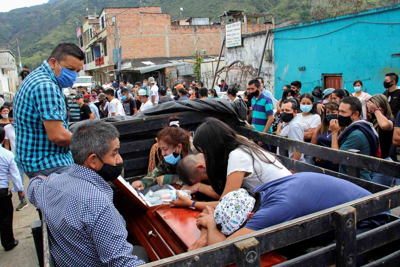 Despedida de los 8 jóvenes asesinados en Samaniego Nariño