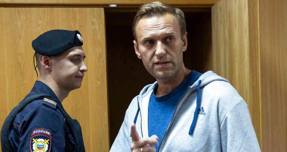 Policía rusa arrestó al opositor Alexéi Navalny en el aeropuerto de Moscú