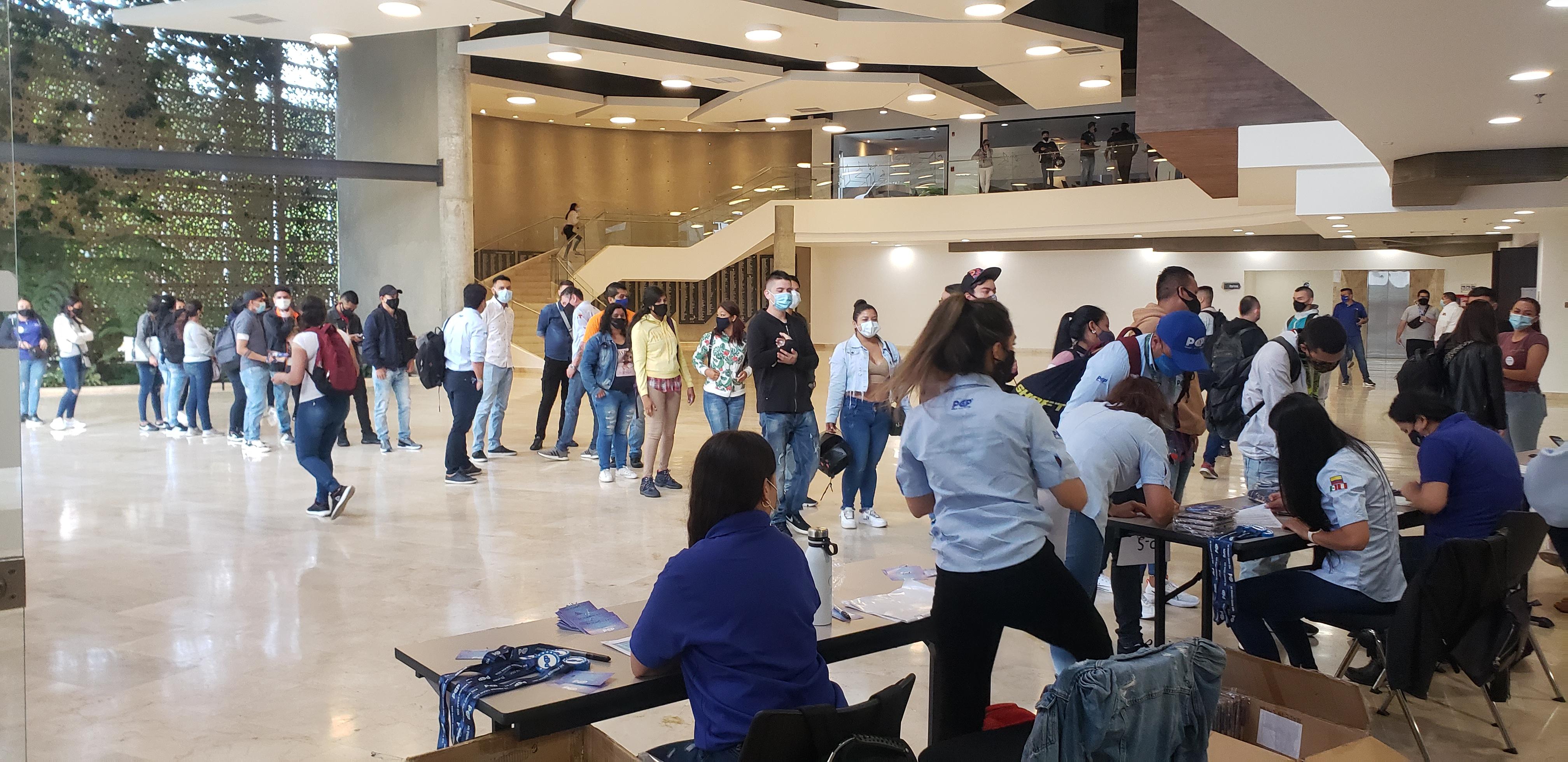 En un recinto ferial de la capital de Risaralda se llevó a cabo la convocatoria para el nuevo personal de PCP.