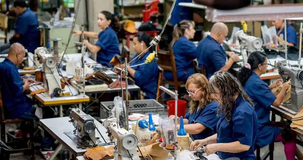 Producción industrial de Colombia bajó a mínimos históricos en abril