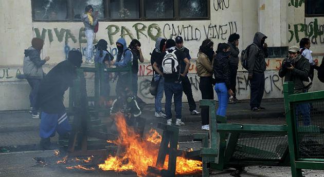 Protestas, furia, vandalismo y tres muertos