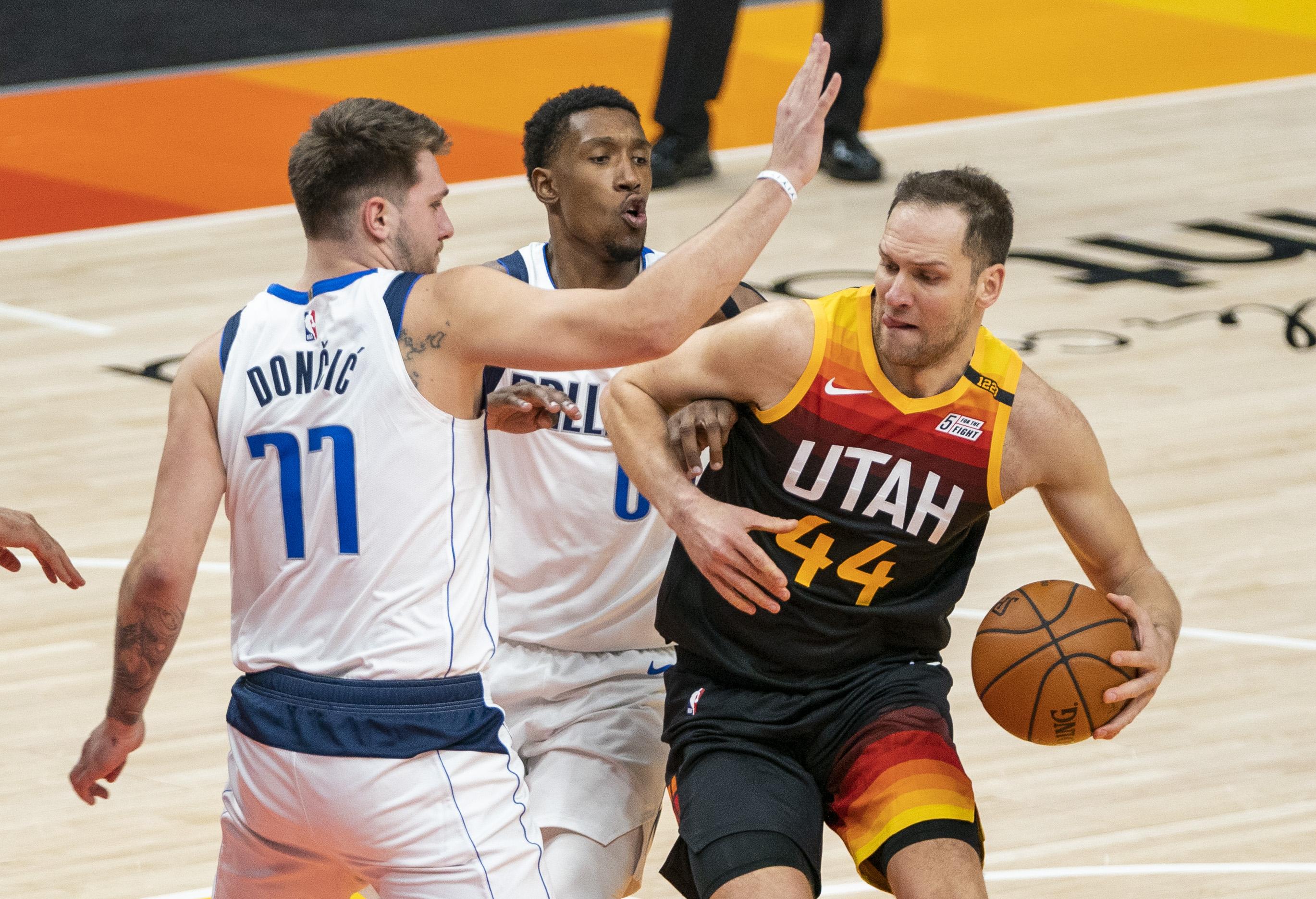 Struggling' Bojan Bogdanovic scores 32 as Utah Jazz win their 11th straight  game
