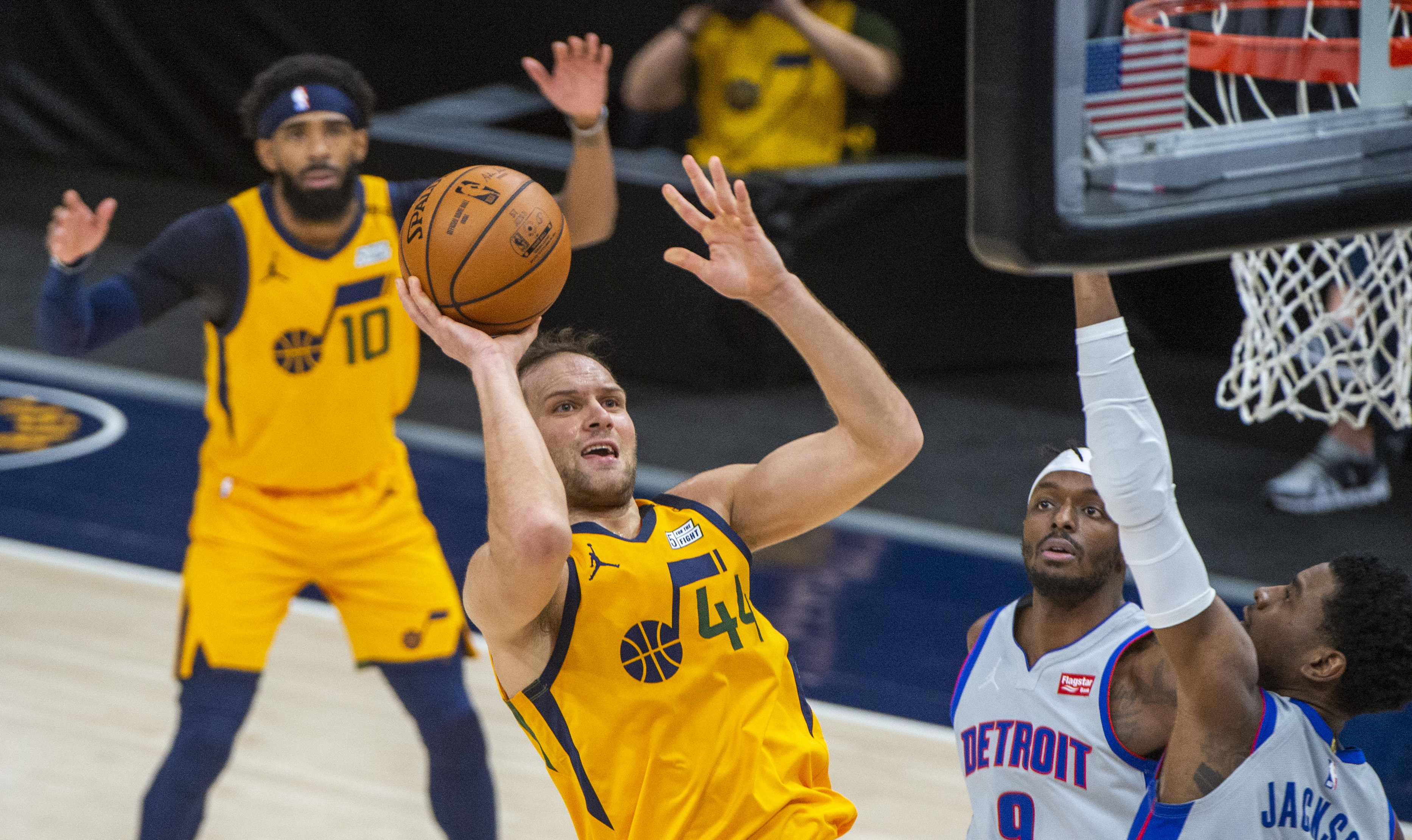 It's sloppy and closer than expected, but the Utah Jazz win again, beating Detroit  117-105