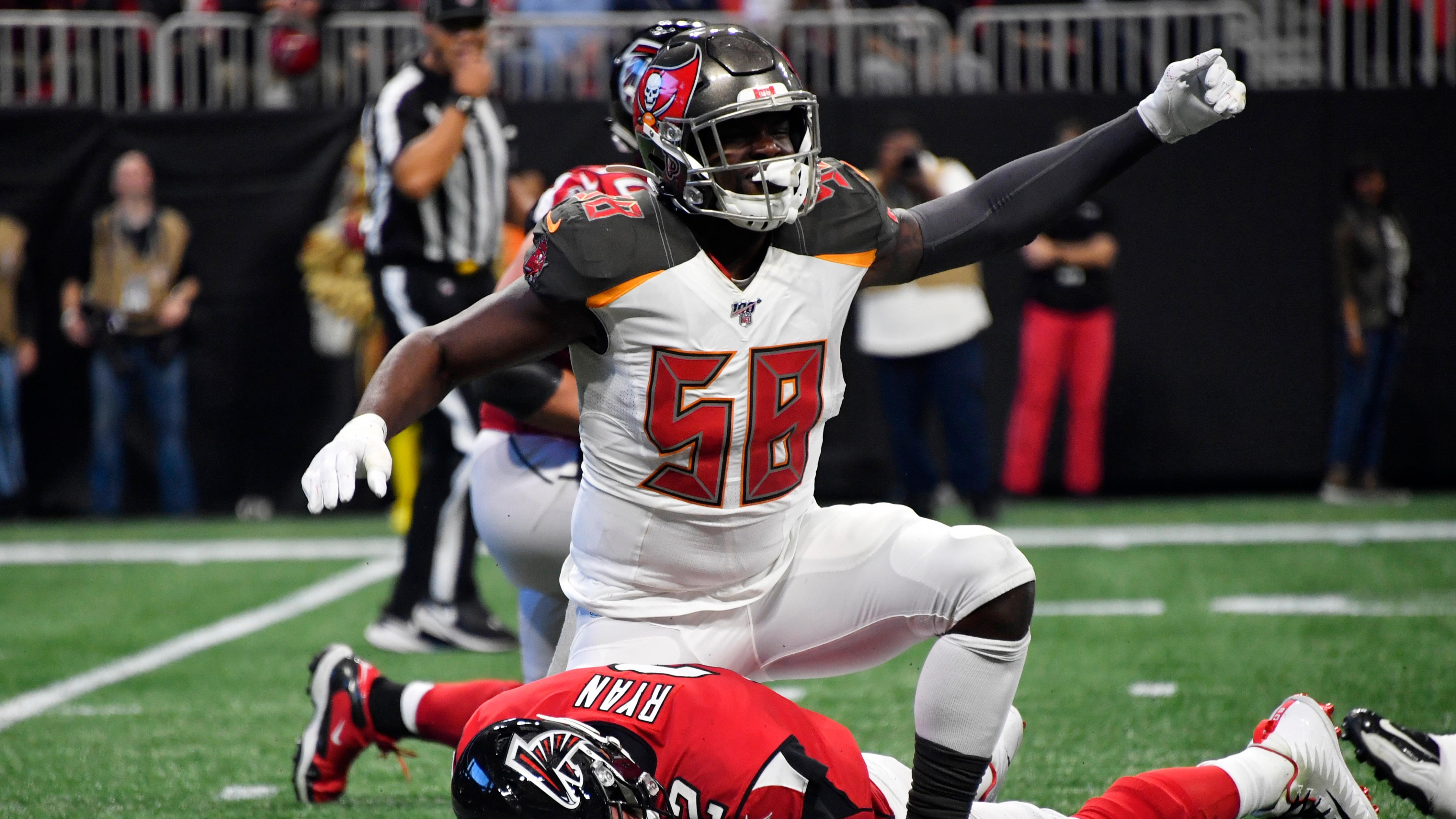 Bucs' Shaquil Barrett 'still up in the air' about signing ...