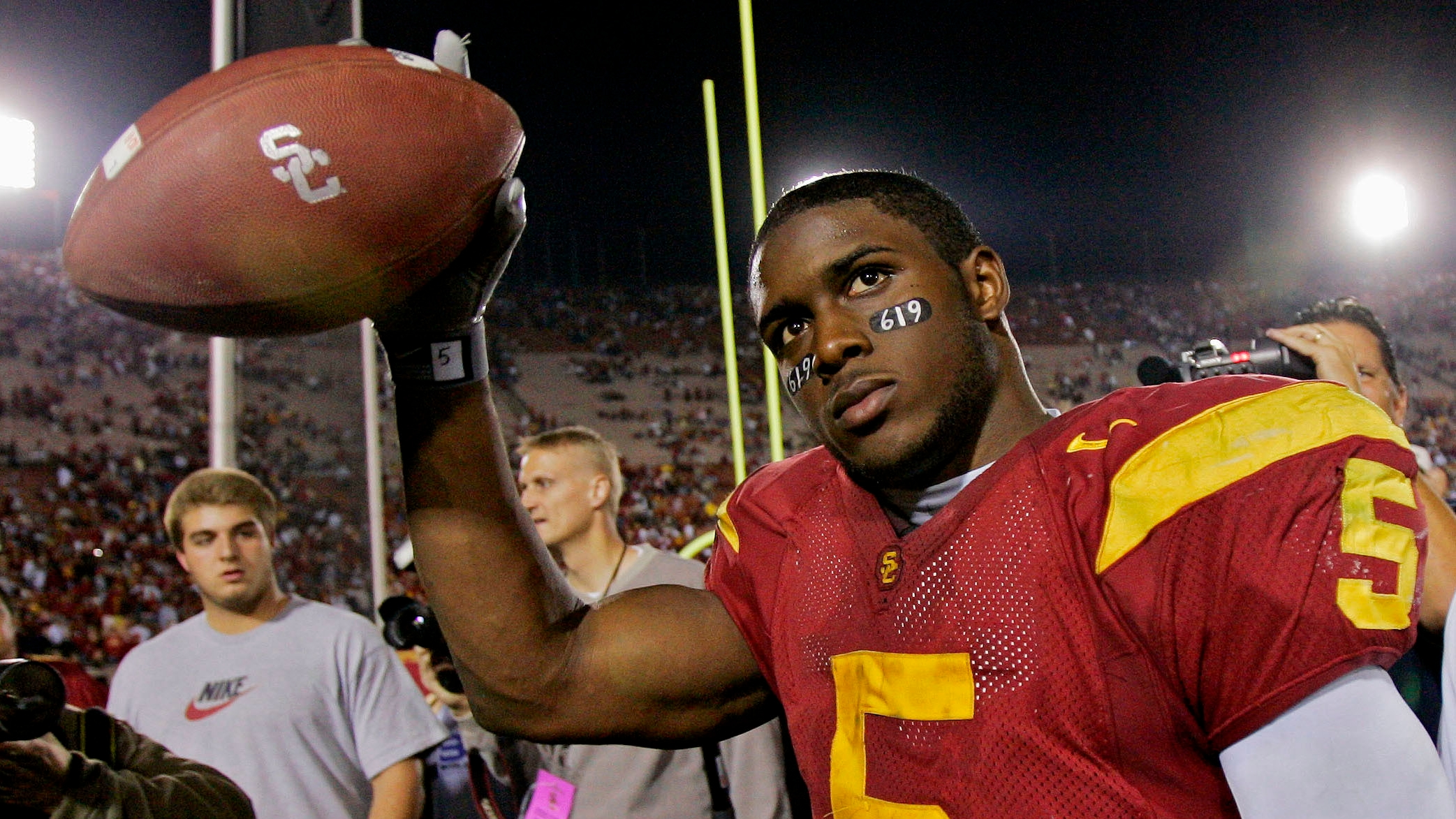USC and Reggie Bush together again as his 10-year NCAA ban is lifted
