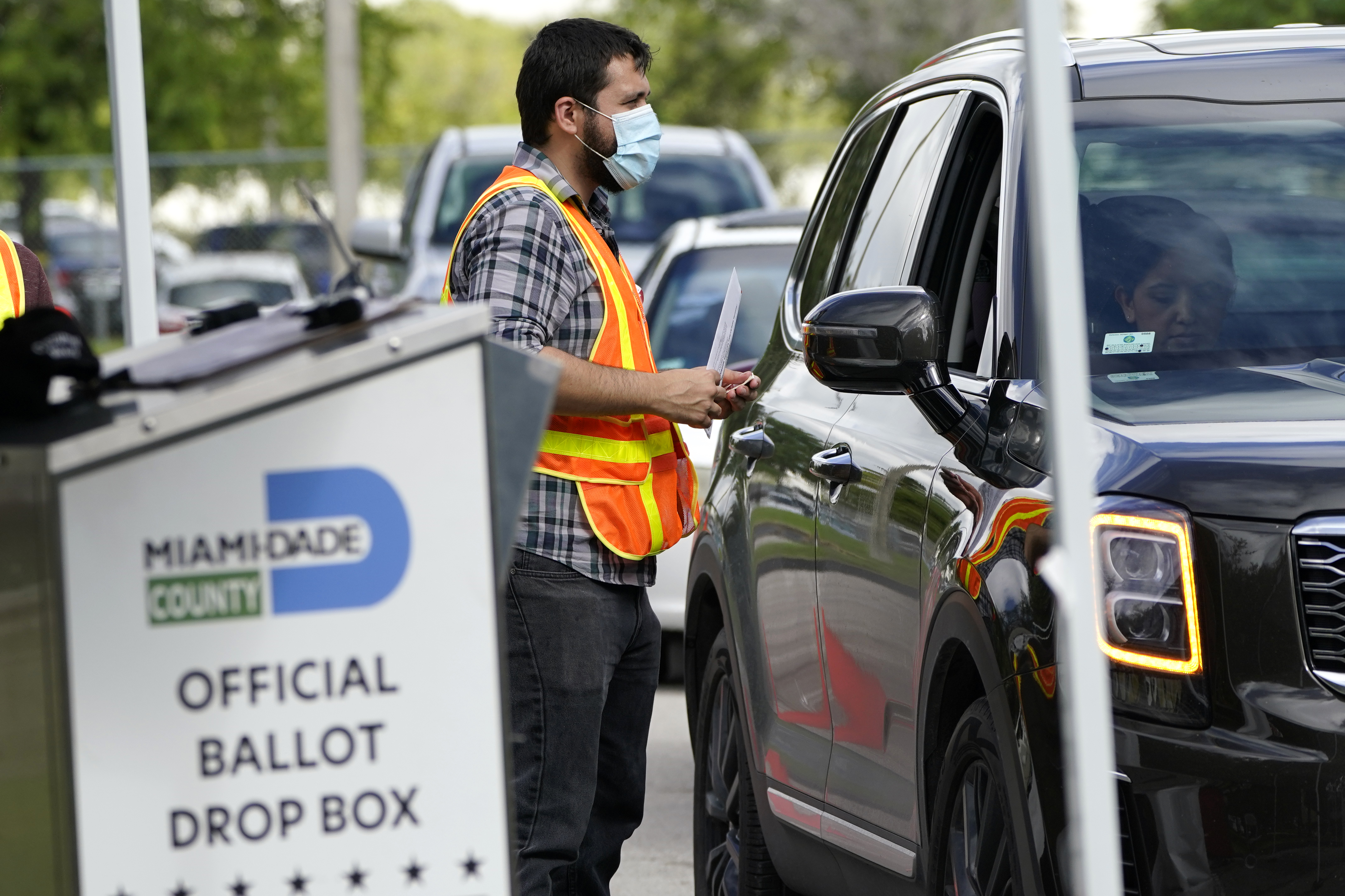 Voter Registrations Of Desantis Michael Jordan And Lebron James Accessed By Naples Man Fdle Says