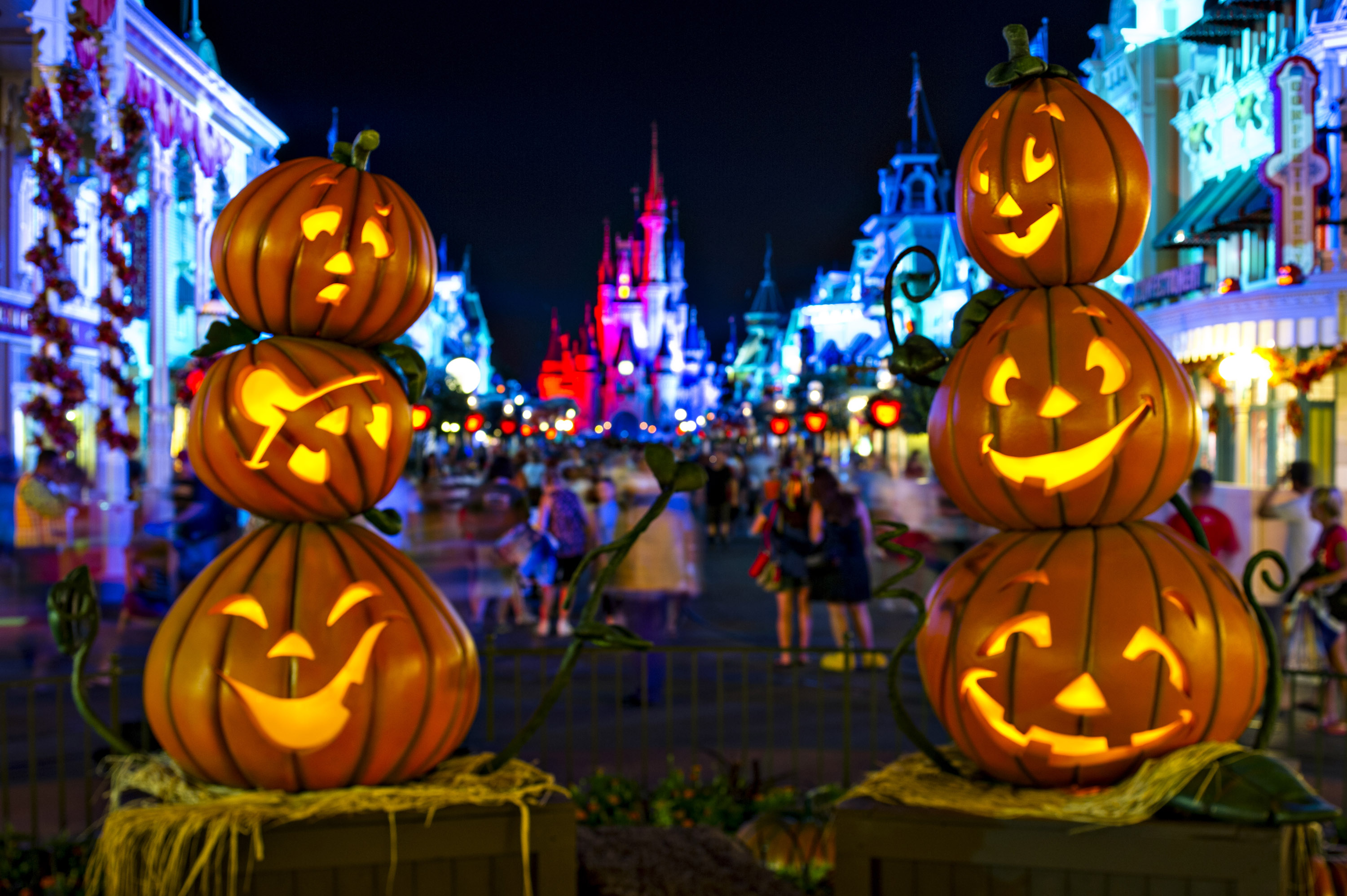 Disney Halloween Pictures.For The First Time Disney Will Allow Halloween Costumes In Magic Kingdom