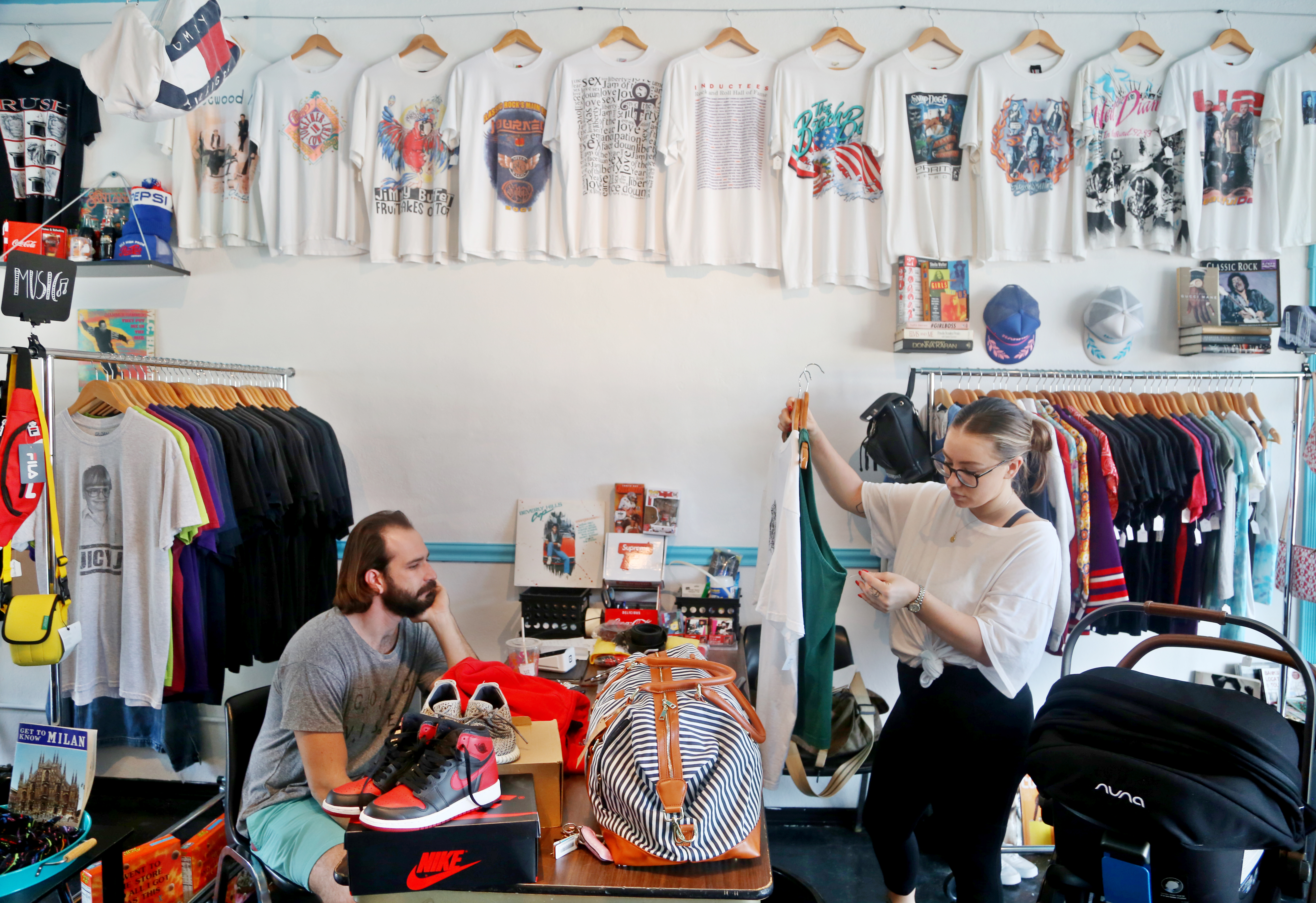Thrift Stores And 90s Fashion Are So In They Re Disrupting Traditional Retailers