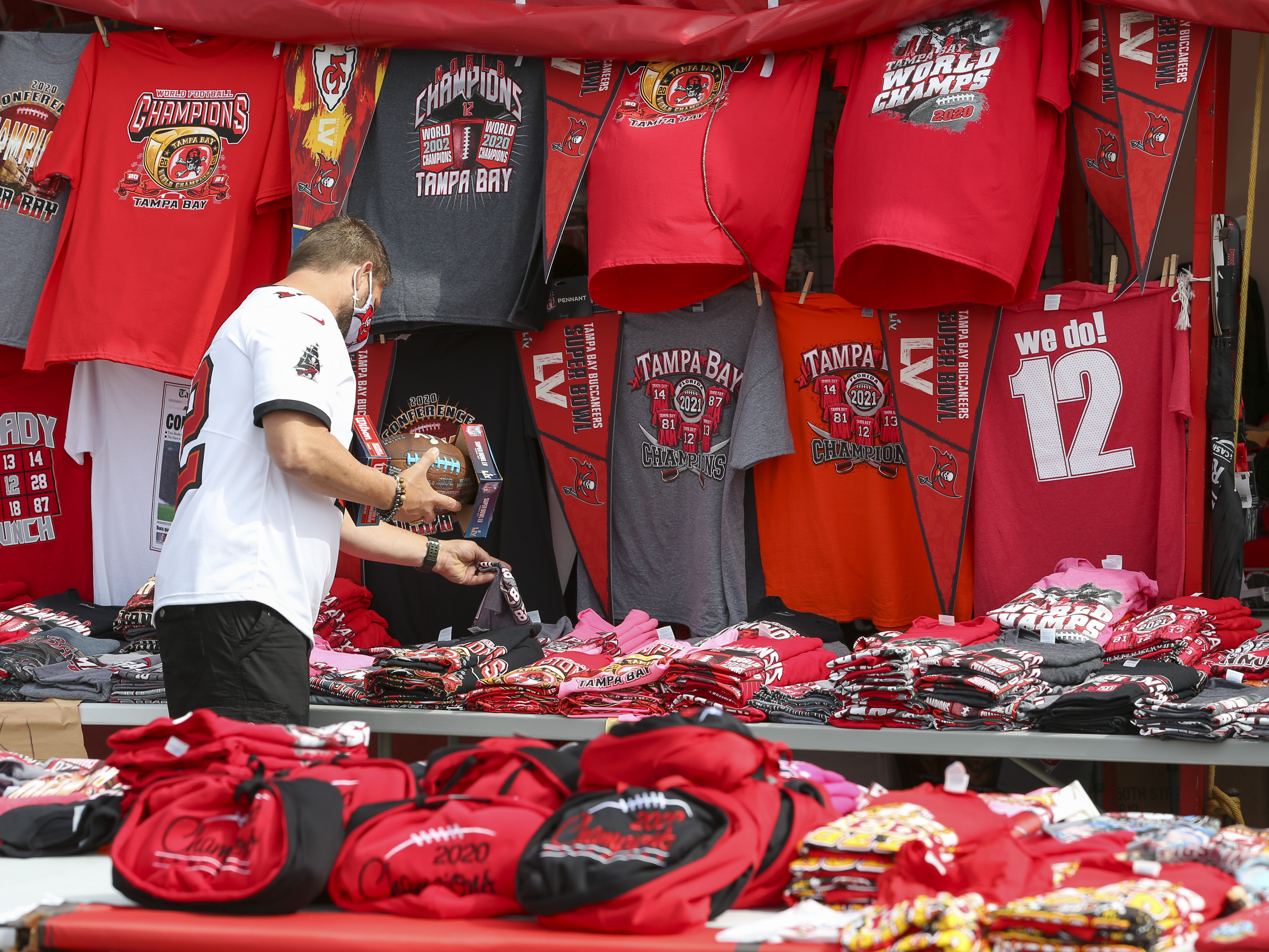Here's where to find Bucs Super Bowl merchandise