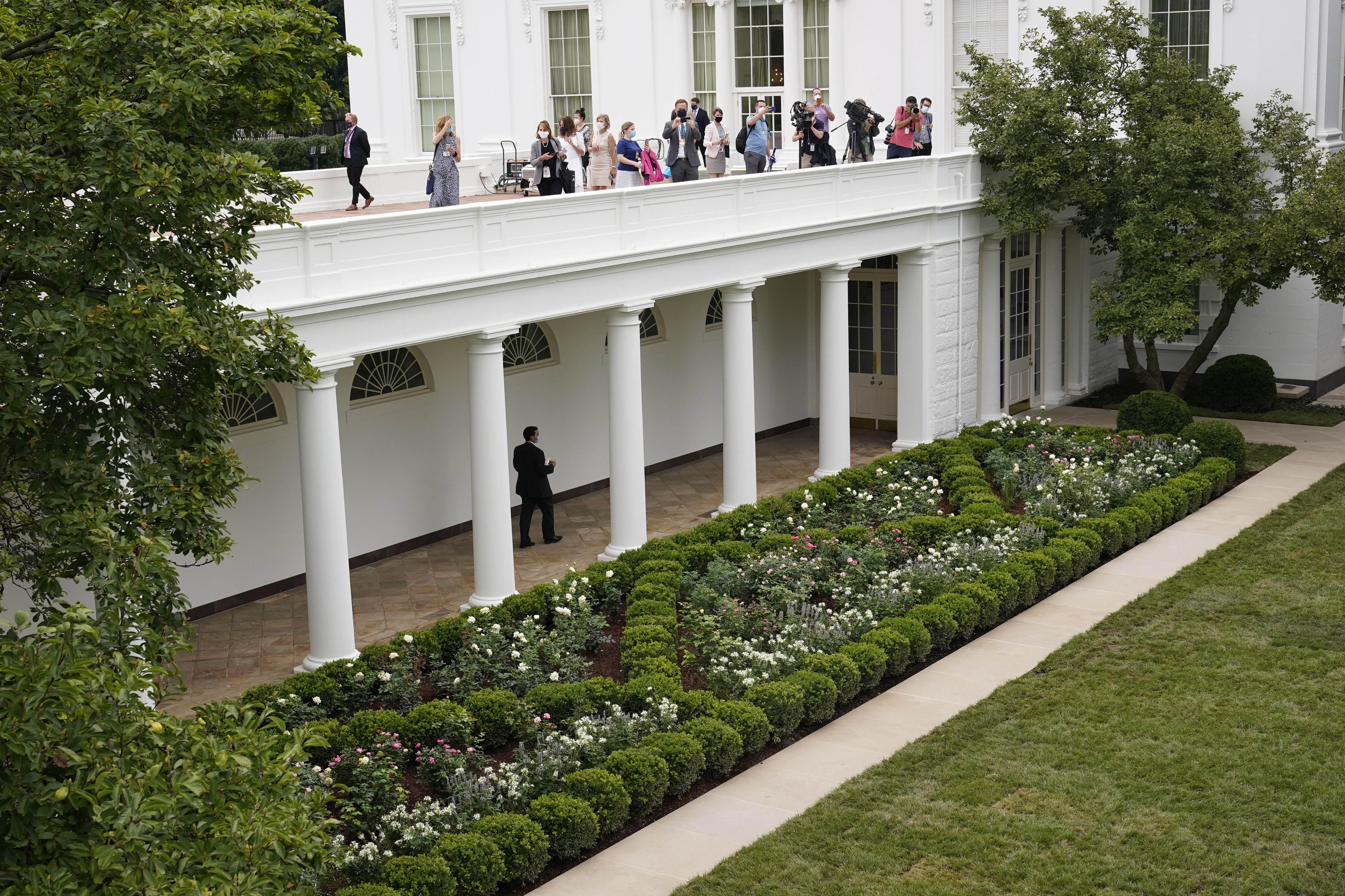 It Was Humbling Anne Arundel Natives Help Design Install New White House Rose Garden Seen During Melania Trump S Rnc Speech Capital Gazette