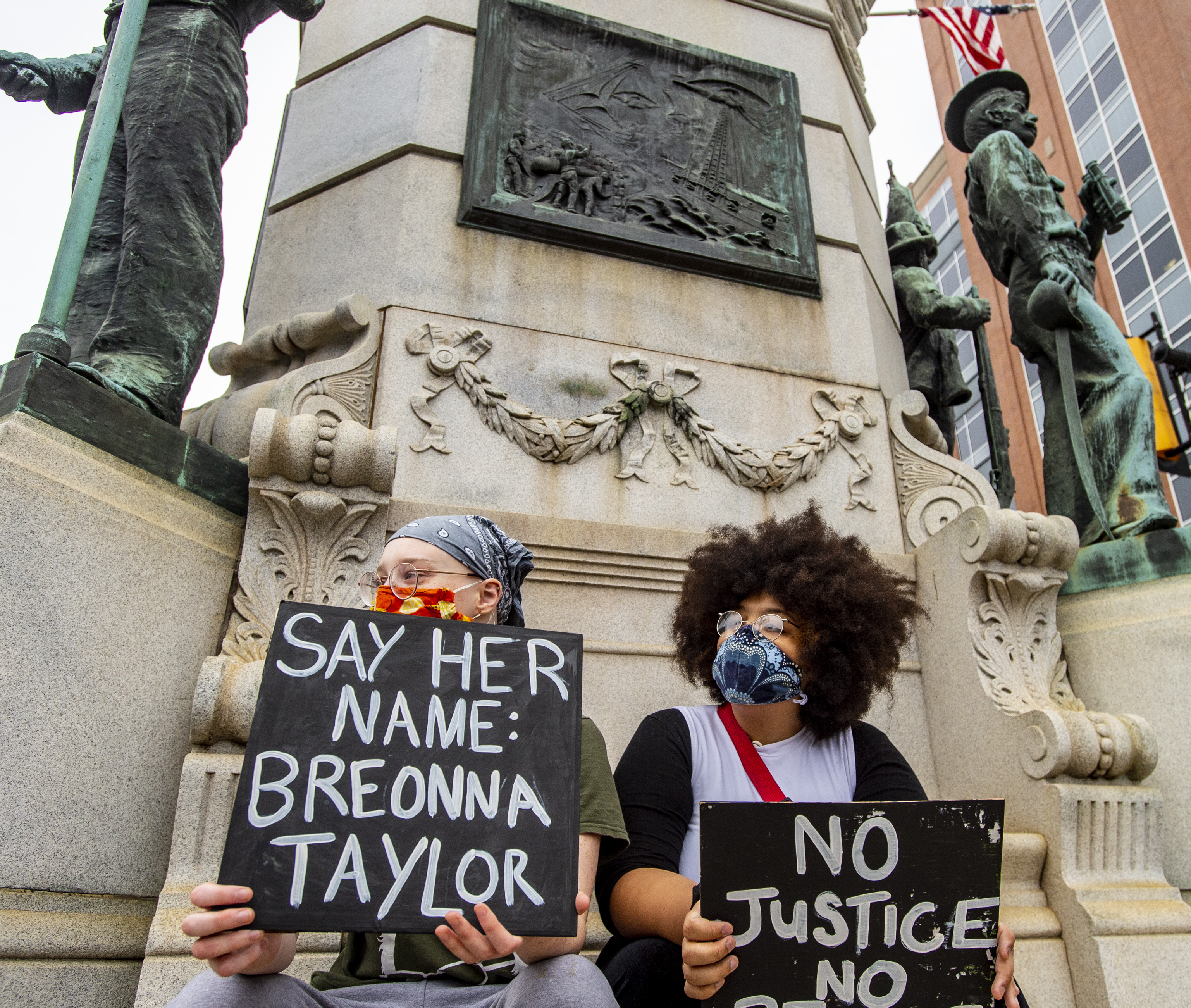 Breonna Taylor Decision Brings Marchers To Downtown Allentown For A Tribute And A Call For Justice The Morning Call