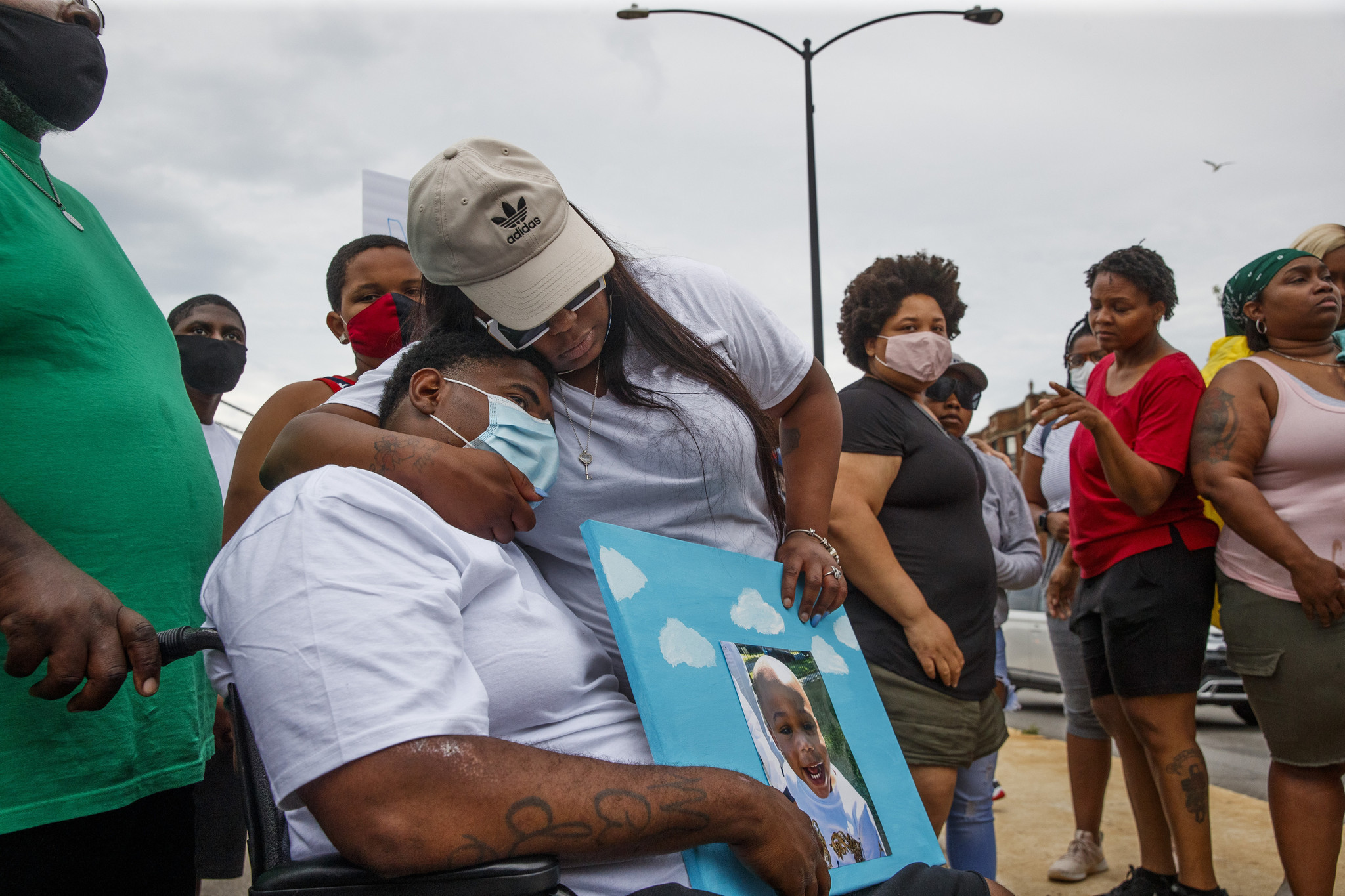 Neighbors Outraged As Toddler 3 Teens Killed In Weekend Violence This Is A Horrific Father S Day This 3 Year Old Baby Lost His Life Chicago Tribune